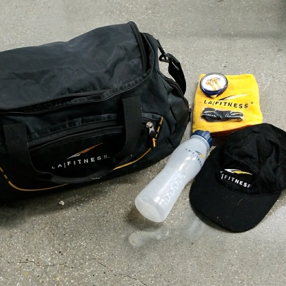 6e10b43d1777 LA Fitness Handbags - LA Fitness workout bundle